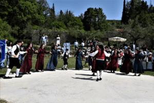 Λευκάδα: Πρωτομαγιά στην Ιερά Μονή Ευαγγελιστρίας (Κόκκινης Εκκλησιάς) Πλατυστόμων