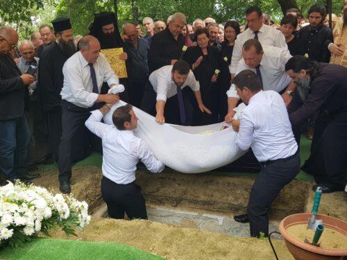 Άφατη θλίψη στην Εξόδιο Ακολουθία του Πρωτοπρεσβυτέρου Νικολάου Αργυρίου