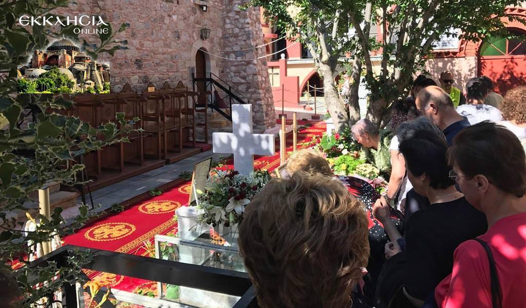 τάφος άγιος ιάκωβος τσαλίκης