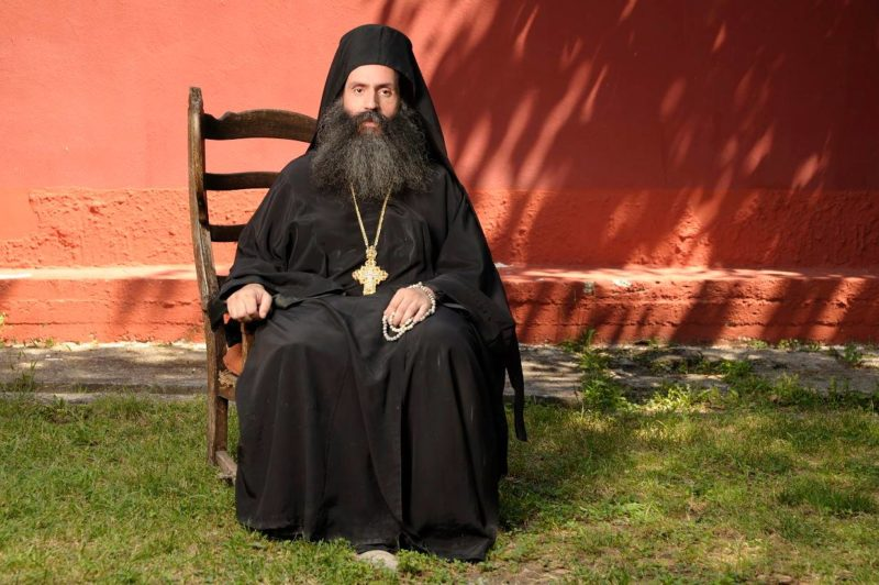 Πλήθος Ελλήνων στο πλευρό της Μονής Καλλίπετρας για τη δικαστική διαμάχη με το δημόσιο