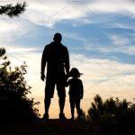 Γιορτή του Πατέρα: Το συγκινητικό γράμμα μιας θεολόγου στον πατέρα της