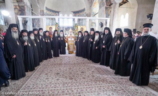 Πατριαρχική θεία Λειτουργία στη Βέροια για την εορτή των Αγίων Αποστόλων Πέτρου και Παύλου
