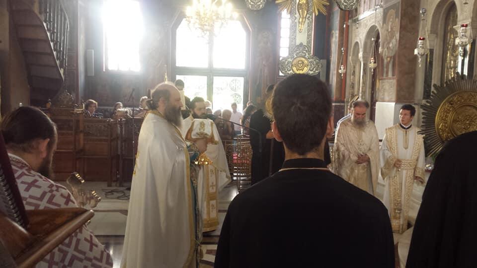 Ο Πειραιώς Σεραφείμ στον Μητροπολιτικό Ναό Αγίου Δημητρίου Νέου Φαλήρου