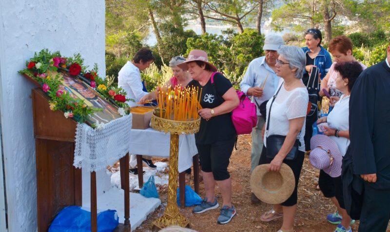 Αρχιερατική Θεία Λειτουργία στη νησίδα Θοδωρού