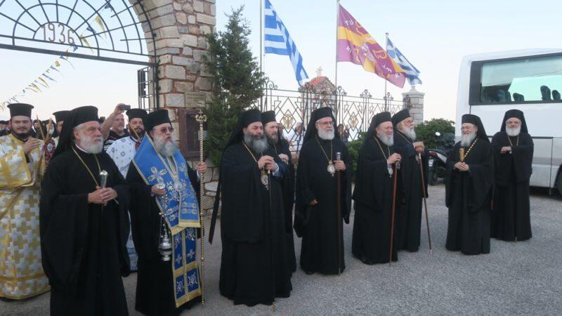 Σύρος: Δέος και συγκίνηση στην υποδοχή της ευωδιάζουσας Εικόνα της Παναγίας Ζωοδόχου Πηγής Σουμελά