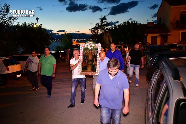Εορτή Πέτρου και Παύλου - Ναύπλιο: Πλήθος πιστών στο ιστορικό εκκλησάκι των Αγίων Αποστόλων