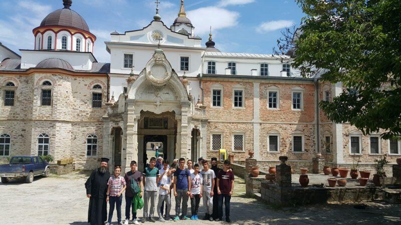 Προσκύνημα στο Άγιο Όρος από την Κατηχητική Ομάδα Γυμνασίου – Λυκείου Μητρόπολης Γρεβενών