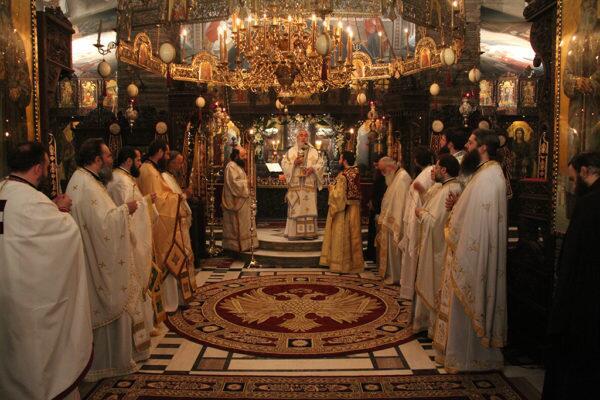 Με λαμπρότητα η εορτή του Αγίου Αυγουστίνου στο Τρίκορφο Φωκίδος