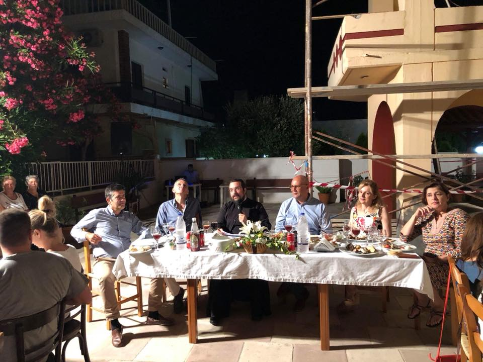 Γέμισε δασκάλους η αυλή του Αγίου Χαραλάμπους Λενταριανών