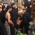 Λαγκαδάς - Τώρα: Δακρυσμένοι οι πιστοί θεραπεύονται από τον Τίμιο Σταυρό - Συγκλονιστικές στιγμές