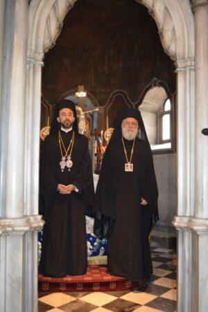 Τήνος: Τρισαρχιερατική Θεία Λειτουργία στον Πανίερο Ναό της Ευαγγελίστριας
