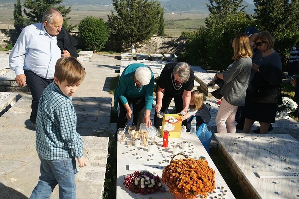 τα οστά 100 Ελλήνων στρατιωτών νεκροταφείο Βουλιαριτών
