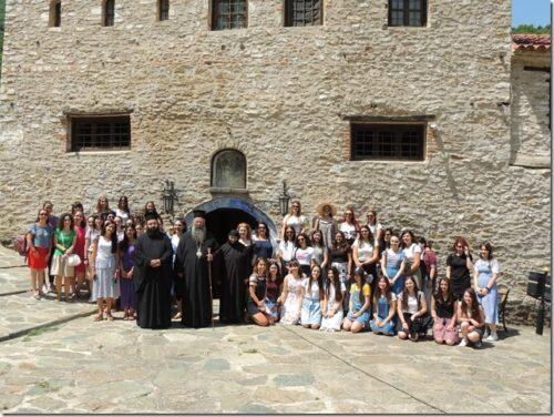 Νέες από την Ιερά Μητρόπολη Κίτρους στην Ι. Μονή Κλεισούρας Καστοριάς