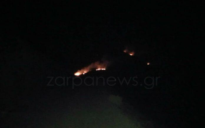 Φωτιά - Κρήτη: Ολονύχτια μάχη με τις φλόγες στα Χανιά - Συγκλονιστικές φωτογραφίες