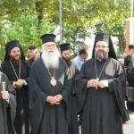 Λάρισα - Τώρα: Ιεράρχες και πιστοί προσέρχονται για το ύστατο χαίρε στον Μακαριστό Ιγνάτιο