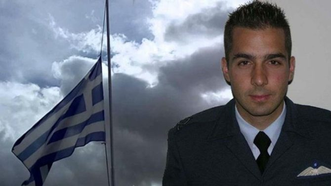 Γιώργος Μπαλταδώρος: Αντιπτέραρχος ο ήρωας - πιλότος