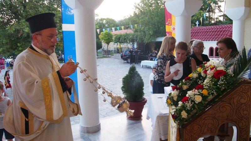 Με κάθε μεγαλοπρέπεια το Κρυονέρι τίμησε τον πολιούχο του Άγιο Παντελεήμονα