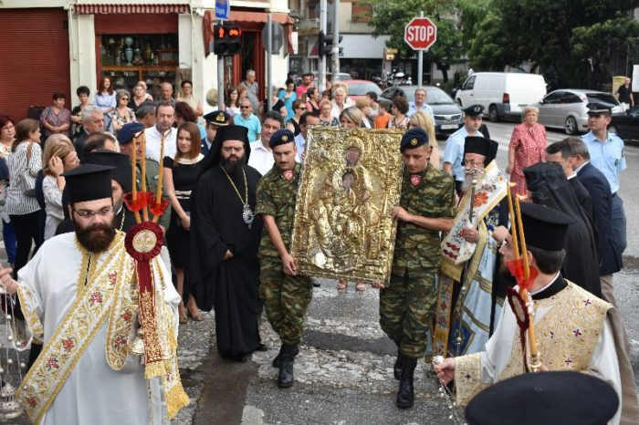 Κομοτηνή: Λαοθάλασσα στην υποδοχή της θαυματουργού εικόνας της Παναγίας Σηλυβριανής