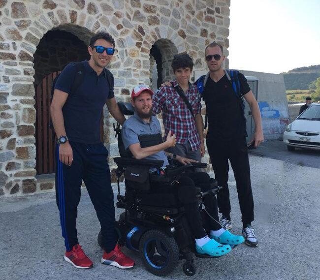 Στο Άγιο Όρος ο ποδοσφαιριστής που έμεινε ανάπηρος και βαπτίστηκε Ορθόδοξος