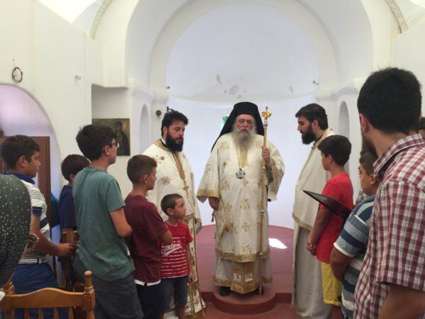 Ο Μητροπολίτης Καλλίνικος στον Ιερό Ναό Αγίου Κοσμά του Αιτωλού Νάξου