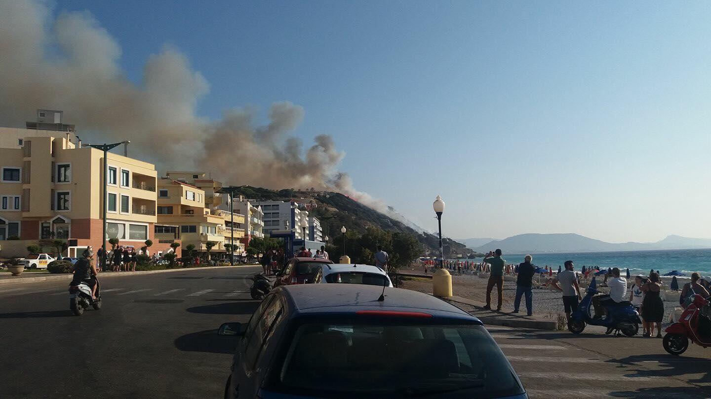 ΦΩΤΙΑ Ρόδος Τώρα: Υπό έλεγχο η φωτιά στο Μόντε Σμιθ - Αποκλειστικές εικόνες