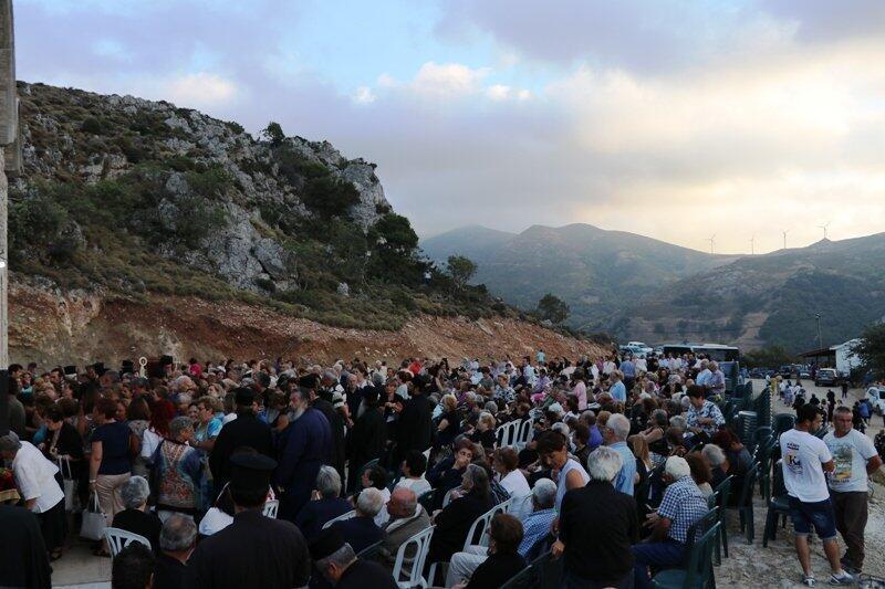Λαοθάλασσα στο προσκύνημα του Οσίου Νικηφόρου του Λεπρού