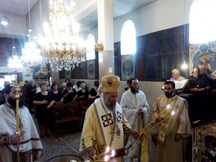 Θεία Λειτουργία στον Ιερό Ναό Ζωοδόχου Πηγής Τ.Κ. Κρύας Βρύσης