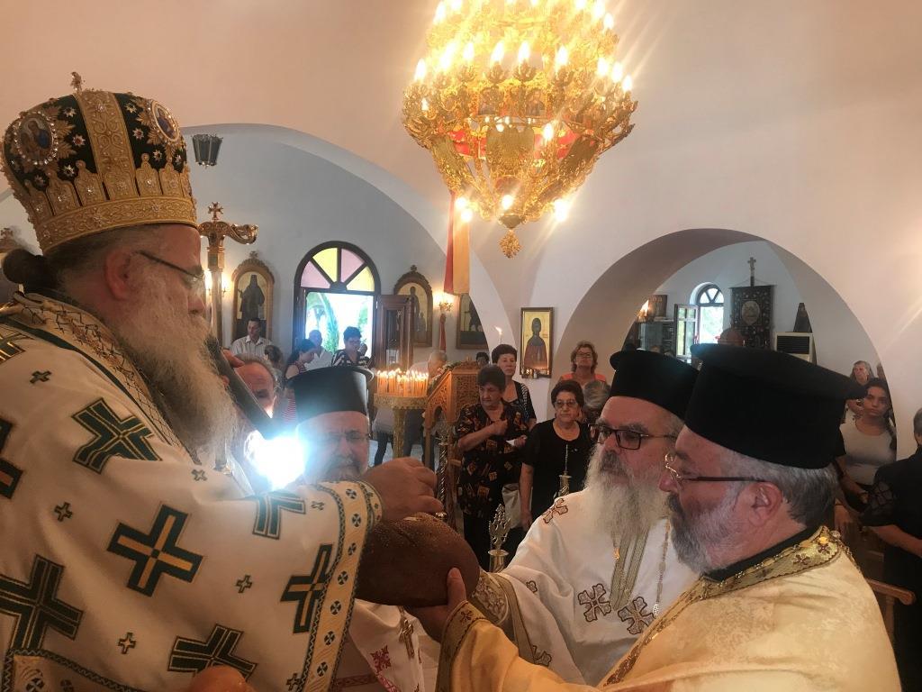 Αγια Ειρήνη Χρυσοβαλάντου: Αρχιερατική Θεία Λειτουργία στον Μακρύ Γιαλό