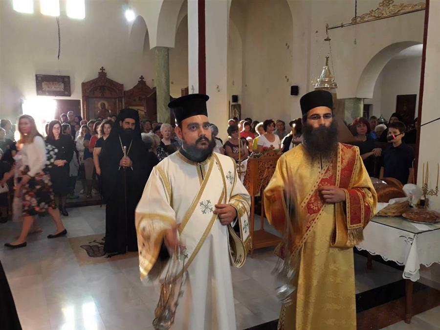 Καρδίτσα: Η ακολουθία του Εσπερινού στον Ναό Αγίων Δώδεκα Αποστόλων «Κόκκινη Εκκλησιά»