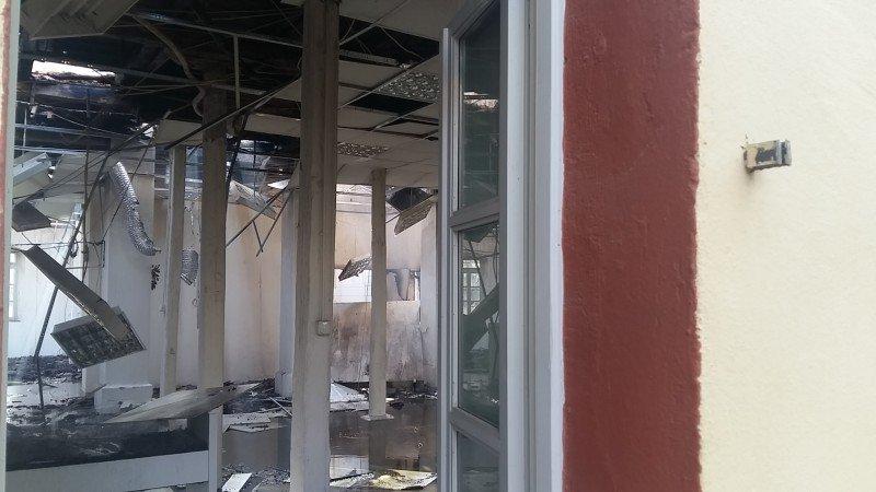 ΠΟΛΕΜΙΚΟ ΜΟΥΣΕΙΟ ΧΑΝΙΑ: Θλιβερές εικόνες από την καταστροφή - Που στρέφονται οι έρευνες