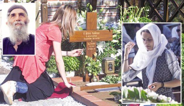 Άγιος Παΐσιος: Θαύμα στον τάφο του Γέροντα που συγκλονίζει