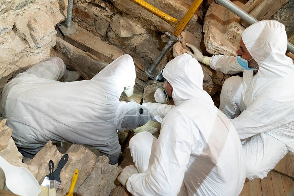 αρχαίος τάφος Σίκινος εργασίες