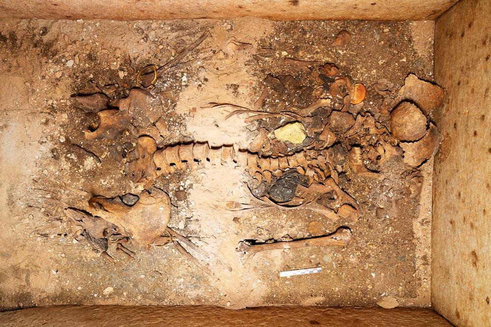 αρχαίος τάφος Σίκινος Επισκοπή