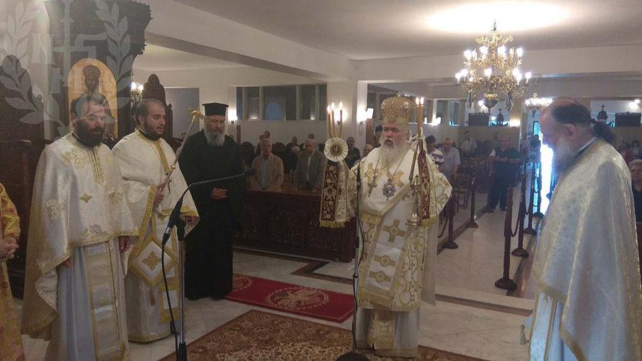 Αρχιερατική Θεία Λειτουργία στον Πανηγυρίζοντα Ι.Ν.Αγίων Αποστόλων Πεύκων