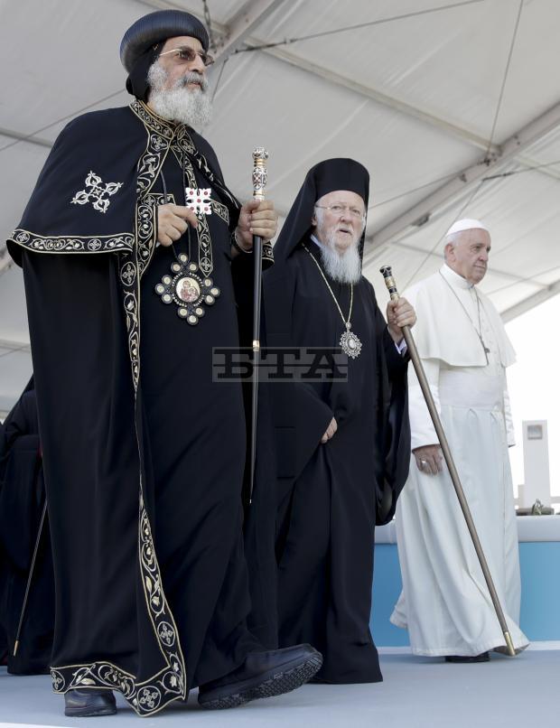 Μπάρι: Οικουμενικός Πατριάρχης και Πάπας προσεύχονται μαζί για τη Μέση Ανατολή