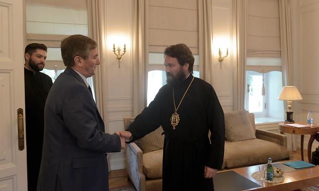 Συνάντηση Μητροπολίτη Ιλαρίωνα με τον Πρέσβη της Αλβανίας στη Ρωσία