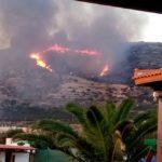 Φωτιά στην Κρήτη - Τώρα: Τεράστια μάχη με τις φλόγες σε Φαλάσαρνα και χωριά στο Ρέθυμνο