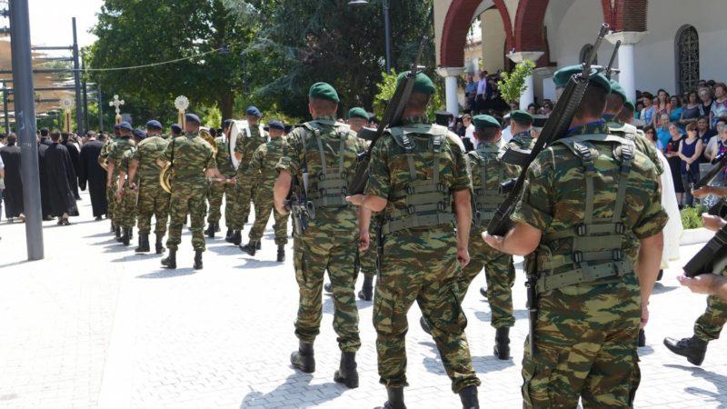 Λάρισα - Τώρα: Χιλιάδες πιστοί στην περιφορά του σκηνώματος του Μακαριστού Λαρίσης