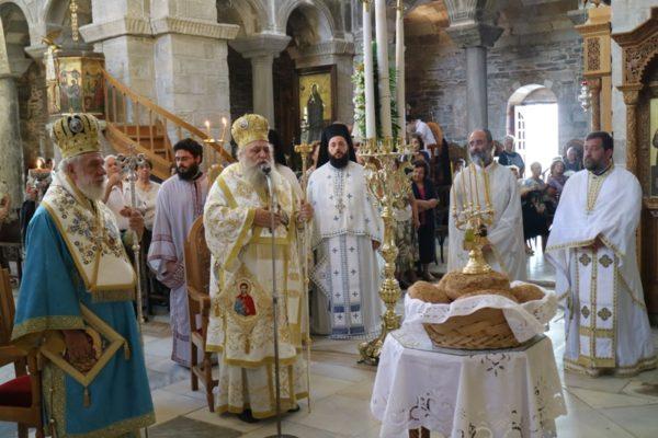 Παροναξίας Καλλίνικος και Σύρου Δωρόθεος στην Παναγία Εκατονταπυλιανή
