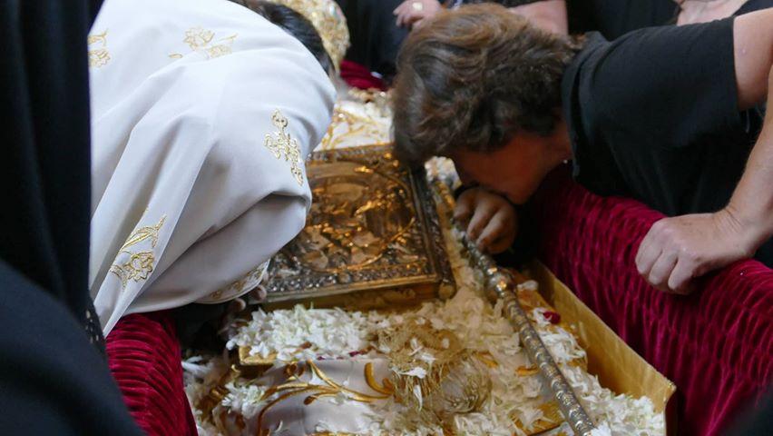 Χιλιάδες Λαρισαίοι αποχαιρετούν τον Ποιμενάρχη τους