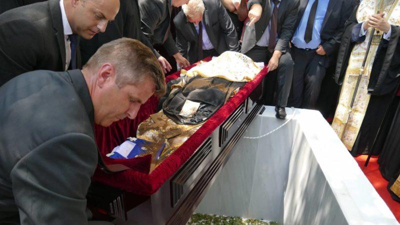 Η Λάρισα αποχαιρέτησε τον Μακαριστό Ιγνάτιο - Σε κλίμα οδύνης η ταφή του