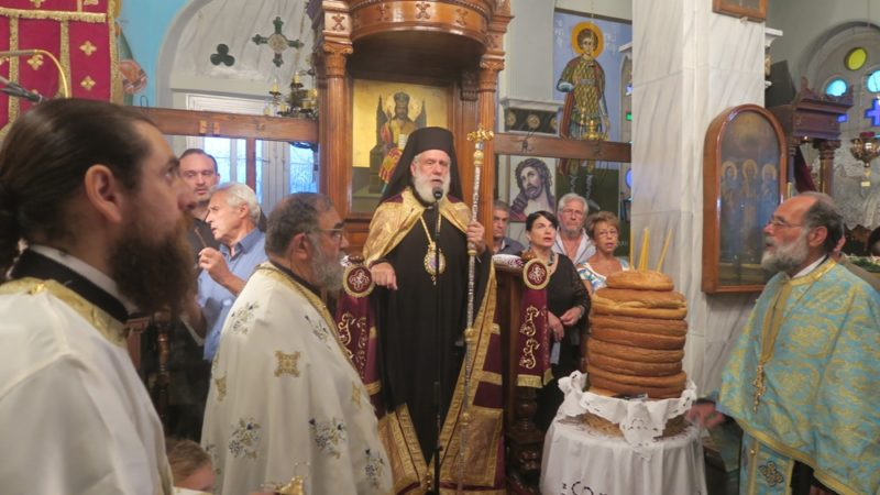 Αγιος Παντελεήμονας: Πλήθος πιστών στον Εσπερινό στην Άνδρο