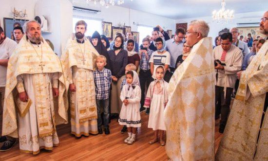 Θεία Λειτουργία από τον Αρχιεπίσκοπο Σέργιο στον Ιερό Ναό Κοιμήσεως της Θεοτόκου Σιγκαπούρης