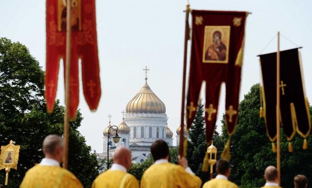 Δοξολογία μπροστά στον αδριάντα του Αγίου Πρίγκιπος Βλαδιμήρου στη Μόσχα από τον Πατριάρχη Αλεξανδρείας και τον Πατριάρχη Κύριλλο