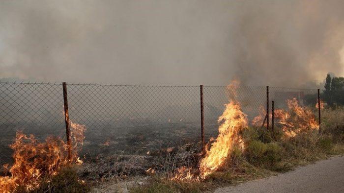 Φωτιά ΤΩΡΑ: Πυρκαγιά στη Λεωφόρο Μαραθώνος