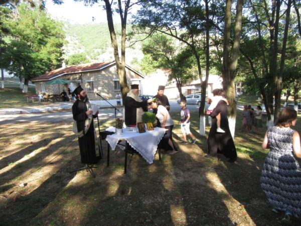 Αγιασμός από Καστοριάς Σεραφείμ για την Έναρξη των Κατασκηνώσεων