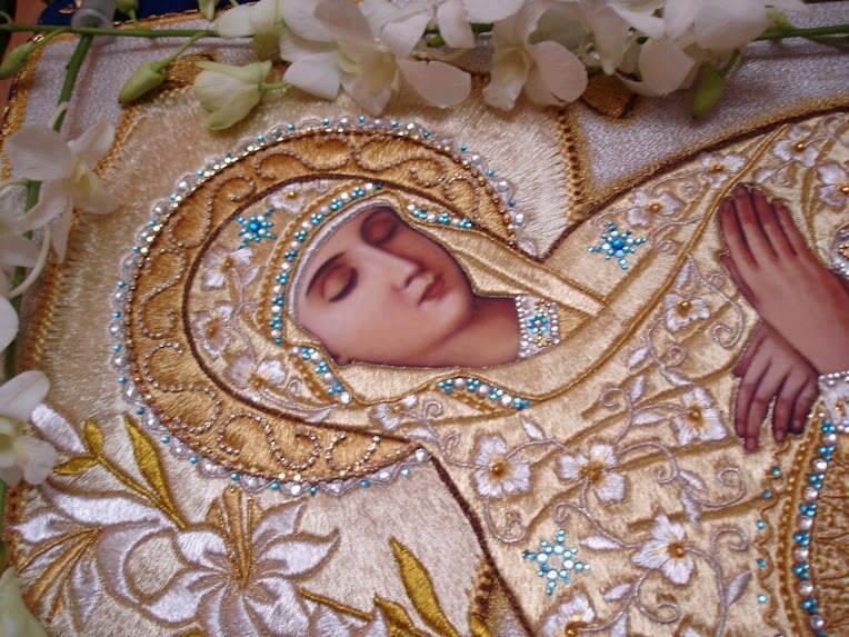 ΠΑΝΑΓΙΑ: Διαβάστε τα εγκώμια της Παναγίας - Συγκλονιστικά λόγια