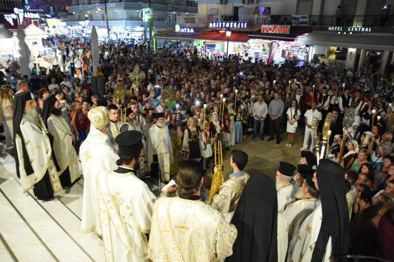 Πάνδημη λιτανεία της Παναγίας Τριχερούσας στην Παραλία Κατερίνης
