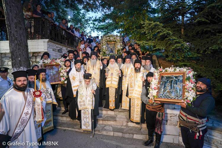 Κοίμηση της Θεοτόκου: Πανηγυρικός Εσπερινός στην Παναγία Σουμελά στο Βέρμιο