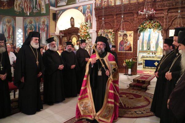 Με τη συμμετοχή πλήθους πιστών τιμήθηκε η μνήμη του Αγίου Αρσενίου του εν Πάρω